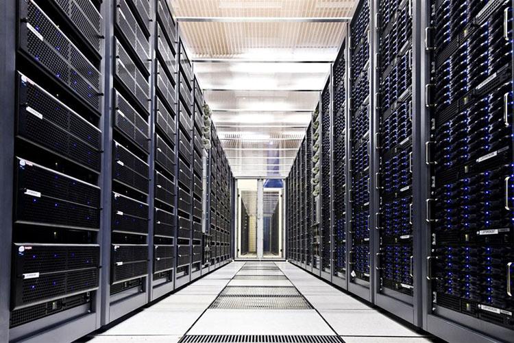 Сервера, хранящие информацию сети интернет