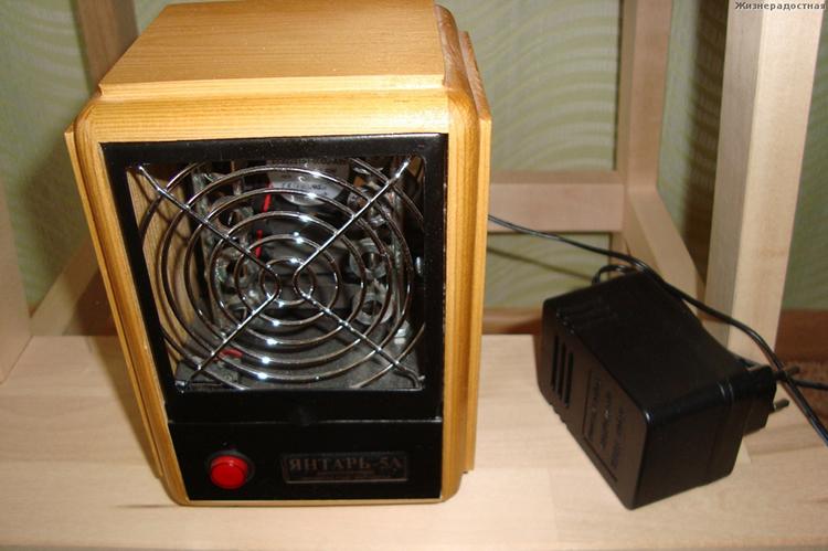 Прибор для зарядки воздуха аэроионами