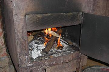 печь дымит прямо в дом