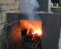 дымит печка