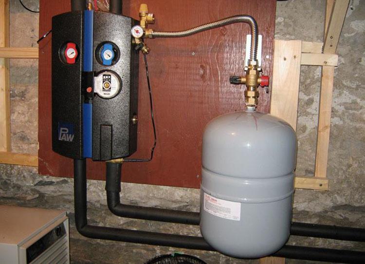 Бак в системе отопления