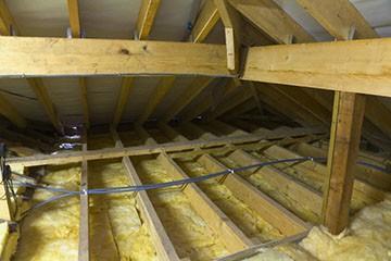 Утепление потолка загородного дома