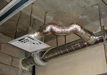 Вытяжной канал под потолком